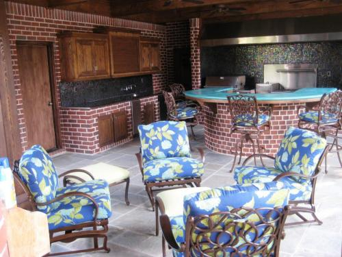 Outdoor Living Spaces (12)