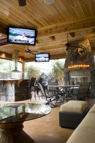 Outdoor Living Spaces (7)