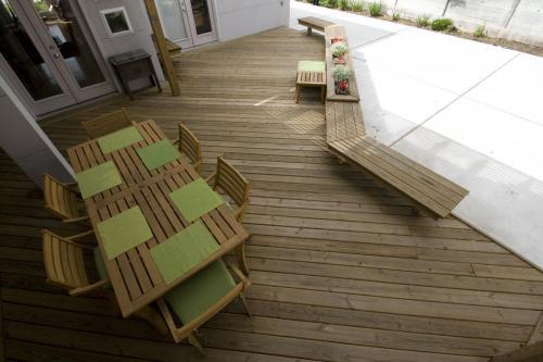 Wood Decks (18)